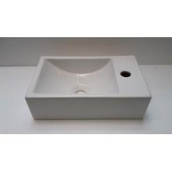 Banio lave mains rectangulaire avec  robinet à droite 37x23cm